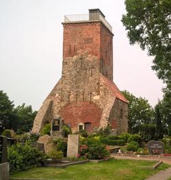 Abb. 4: Der Ochsenturm von Imsum ist der Rest einer ehemaligen Kirche und dient als Aussichtsturm